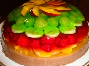 1333962157_jelly_cake_with_fruits - копия